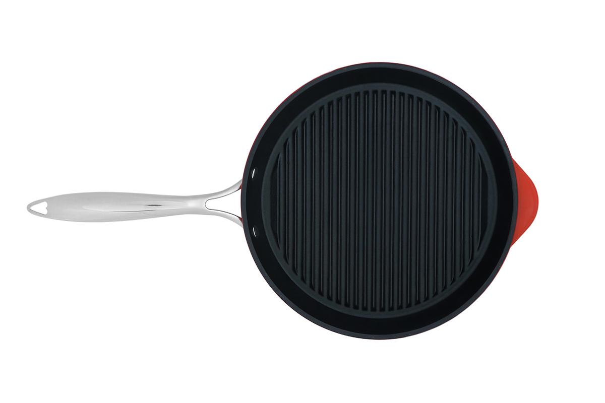 צילום מחבת קרמי על רקע לבן, צילום אריזה למוצר - צילום מלמעלה - פוקס הום